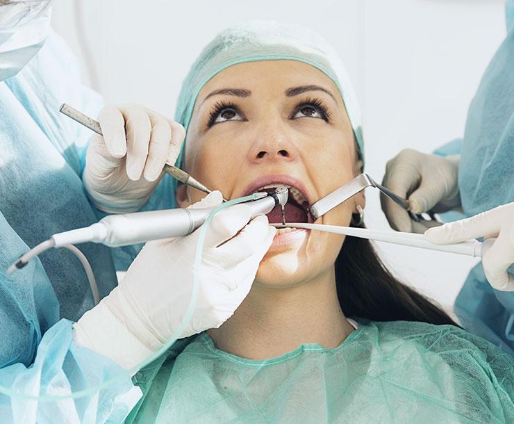 Chirurgia orale: la tecnologia al servizio della vostra bocca.