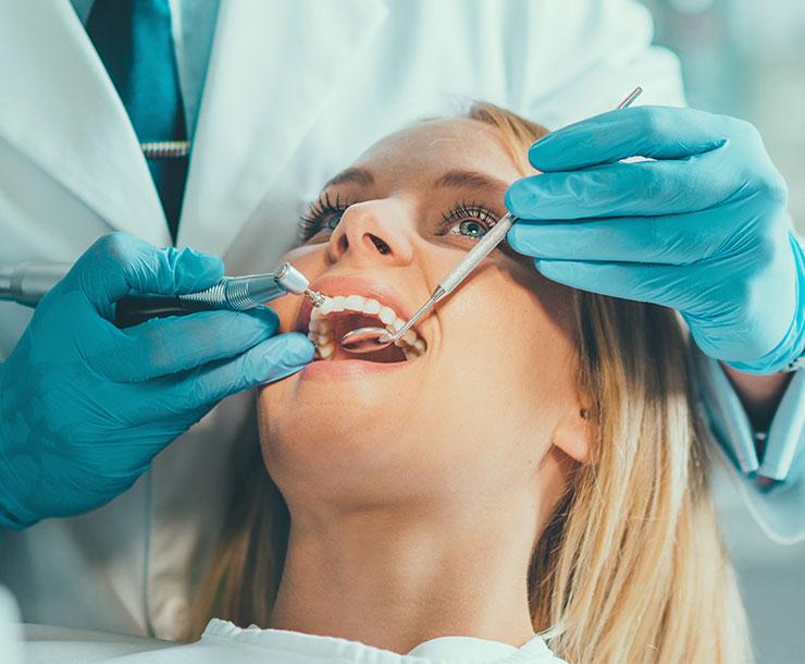 Una corretta igiene è alla base della prevenzione di malattie dentarie.