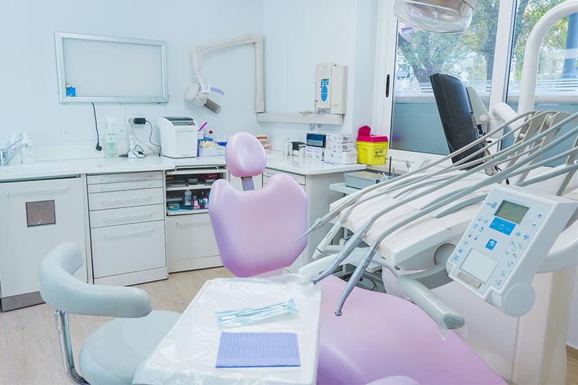 Il nostro studio odontoiatrico garantisce professionalità, competenza e una vasta gamma di terapie e servizi per la salute della bocca.