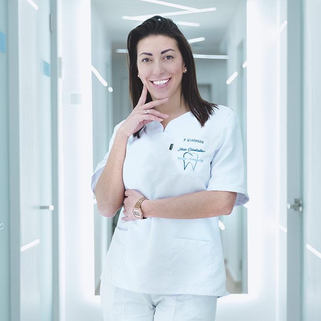 Francesca Quatrana è attualmente assistente senior alla poltrona dello studio odontoiatrico.